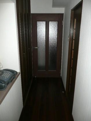 廊下・ドア工事後