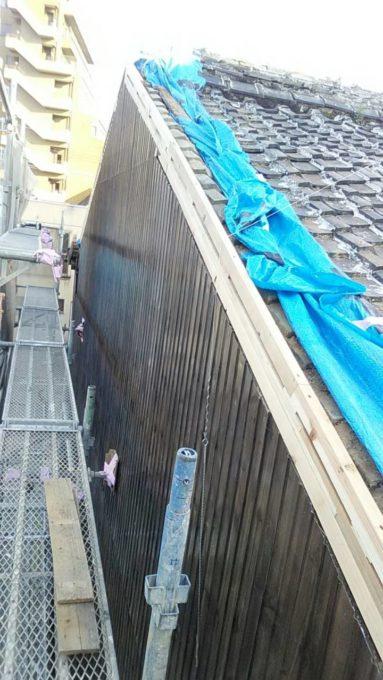 画像:I様邸 隣家の破風・ケラバ補修中(下地)の写真