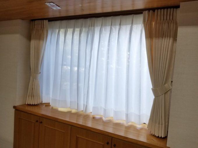 画像:O様邸 リビングカーテン取替え後のカーテン閉めた写真