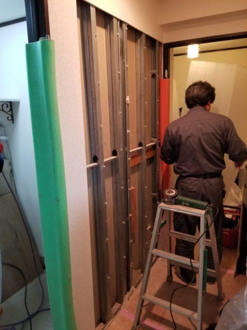画像:Y様邸 片開き戸から引戸工事の壁開口前下地の写真