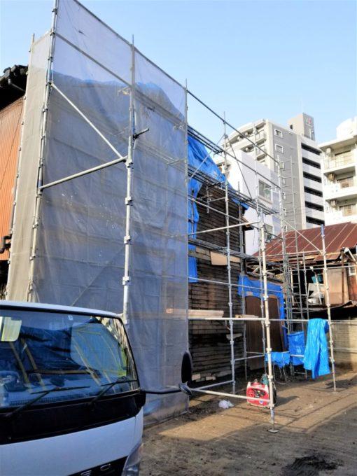 画像:I様邸 外壁補修前の足場を建てた写真