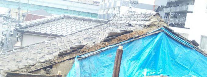 画像:I様邸 隣家の屋根補修前の写真