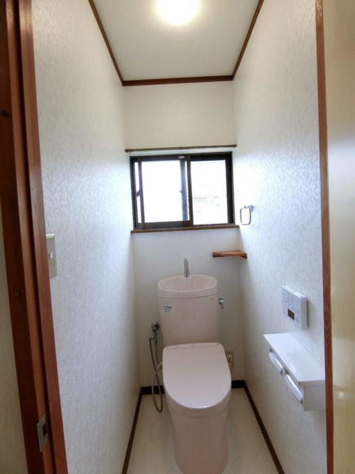 画像:O様邸 2階トイレ施工後の写真