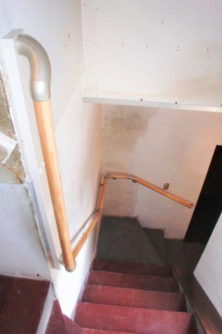 画像:階段手摺施工後のA様邸の写真