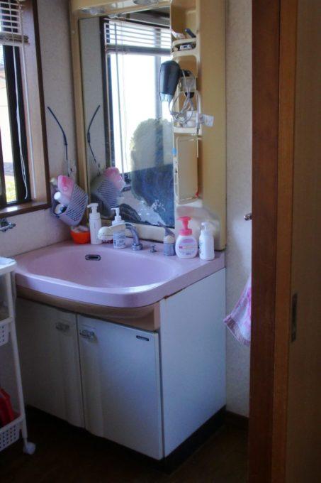 画像:O様邸 洗面化粧台 施工前の写真