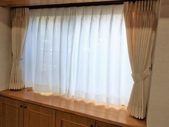 画像:O様 リビング窓のカーテン取り付け後の写真