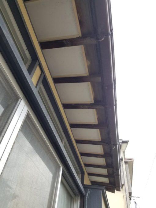 画像:N様邸 軒天施工中の写真
