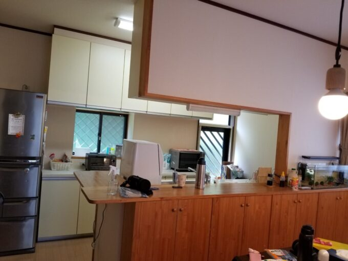 画像:I様邸 キッチン工事前 ダイニング側から見た写真