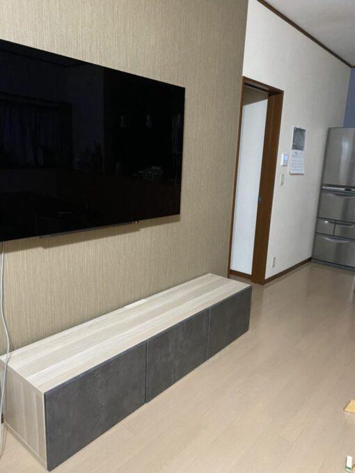 画像:I様邸リビング壁 TV設置後の写真