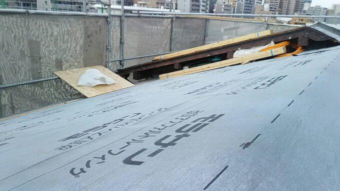 画像:K様邸 屋根 防水シート施工中
